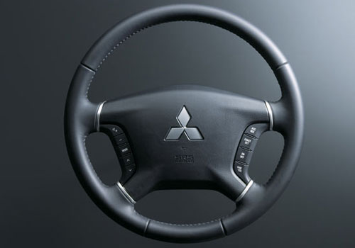 Mitsubishi Montero Steering Wheel Interior Picture