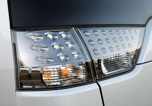 Mitsubishi Outlander Tail Light Exterior Picture