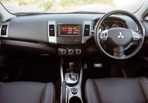Mitsubishi Outlander Dashboard Picture