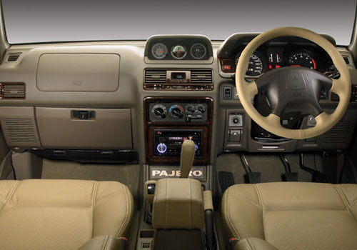 Mitsubishi Pajero Dashboard Picture