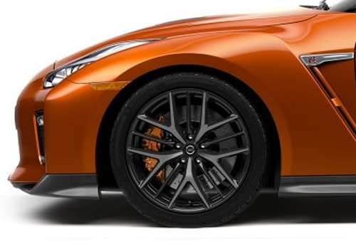 Nissan GT-R Wheel and Tyre Exterior Picture