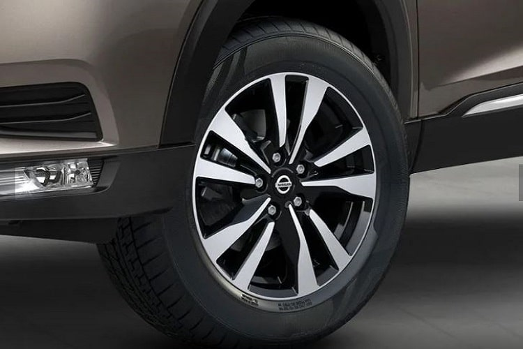 Nissan Kicks Wheel and Tyre Exterior Picture