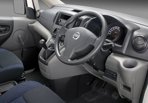 Nissan NV 200 Pictures