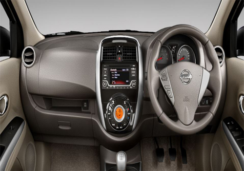 Nissan Sunny Central Control Interior Picture