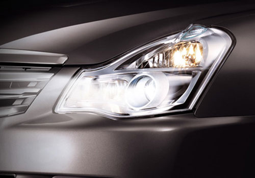 Nissan Sylphy Headlight Picture