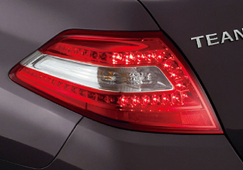 Nissan Teana Tail Light Exterior Picture
