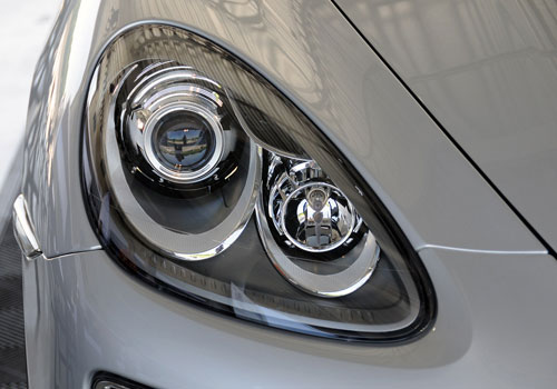 Porsche Cayenne Headlight Exterior Picture