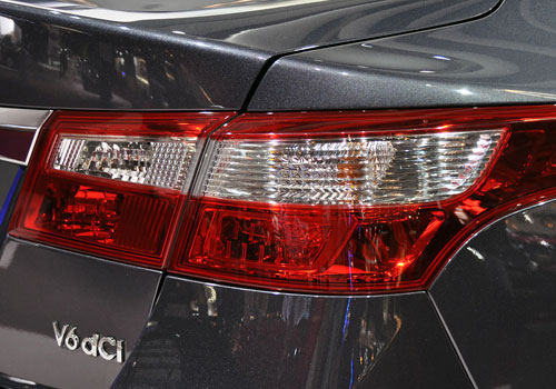 Renault Latitude Tail Light Exterior Picture