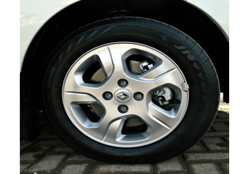 Renault Lodgy Wheel and Tyre Exterior Picture