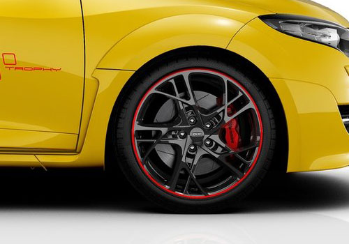 Renault Megane Wheel and Tyre Exterior Picture