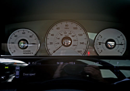 Rolls-Royce Ghost Tachometer Interior Picture
