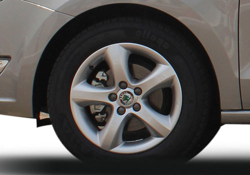 Skoda Rapid Wheel and Tyre Exterior Picture