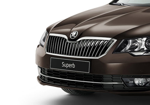 Skoda Superb Rear Angle View Exterior Picture