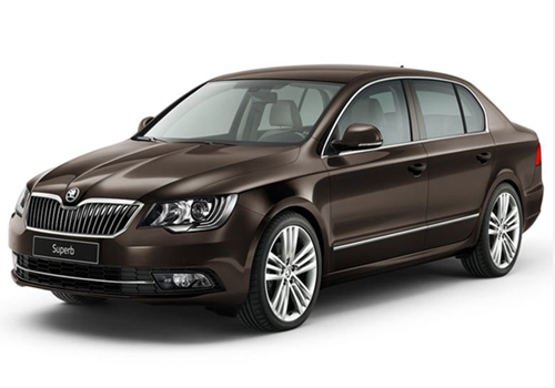 Skoda Superb Front Angle View Picture