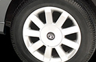 Tata Indigo XL Wheel and Tyre Picture