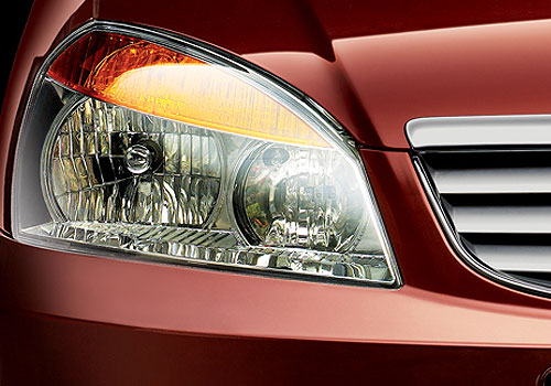 Tata Indigo Headlight Picture