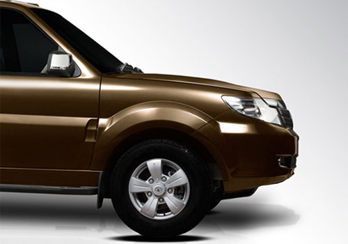 Tata Safari Storme Wheel and Tyre Exterior Picture