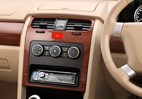 Tata Safari Storme Front AC Controls Interior Picture