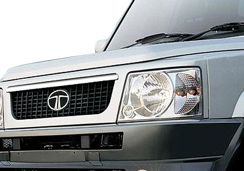 Tata Sumo Victa Headlight Exterior Picture