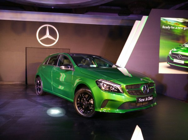 Mercedes Benz A Class Front Side View Picture