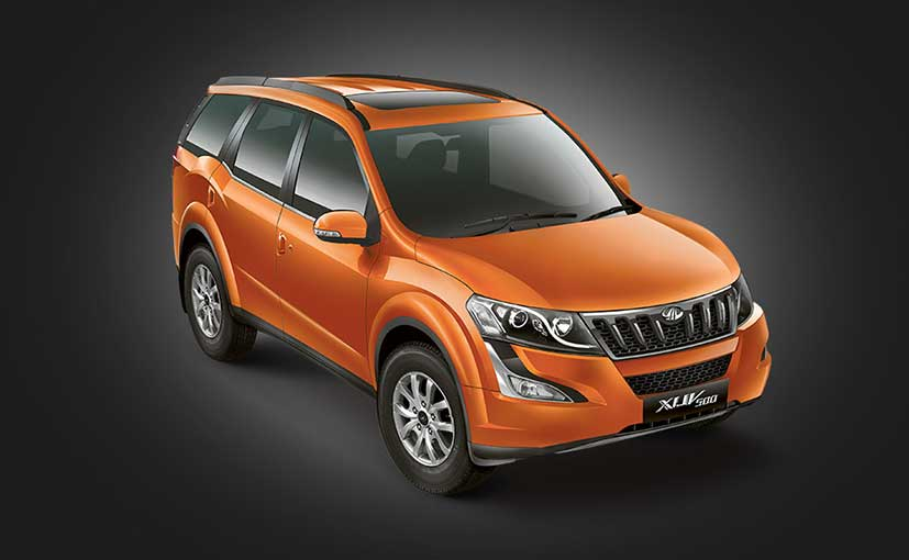 Mahindra XUV 500 Front Side View Picture