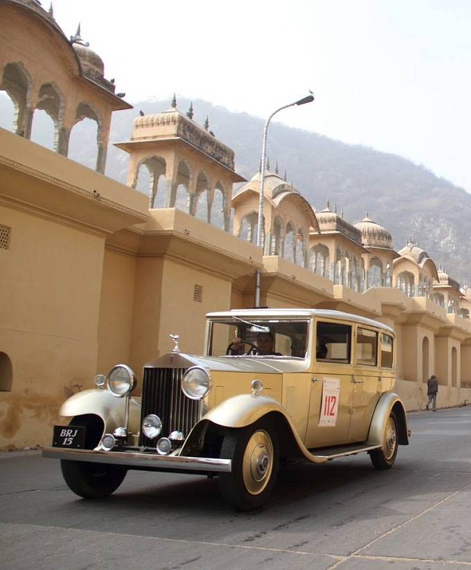 Vintage Car Crossing the Jaipur roads