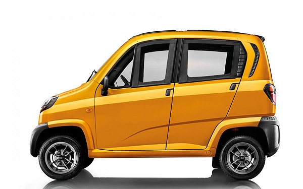 Bajaj Qute Side View