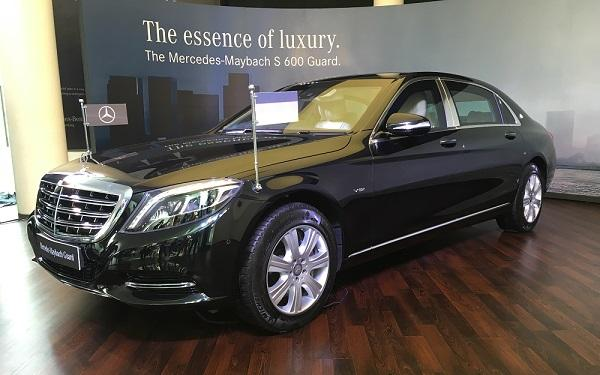 Mercedes Benz Maybach S600 Guard Front Side View