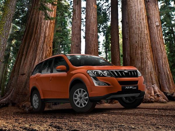Mahindra XUV500 Front View