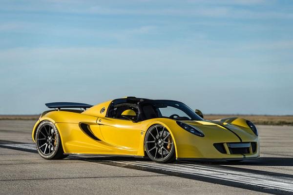 Hennessey Venom GT Spyder Front View