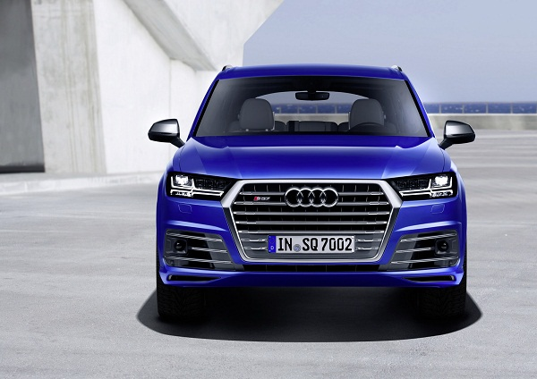 Audi SQ 7 Front View