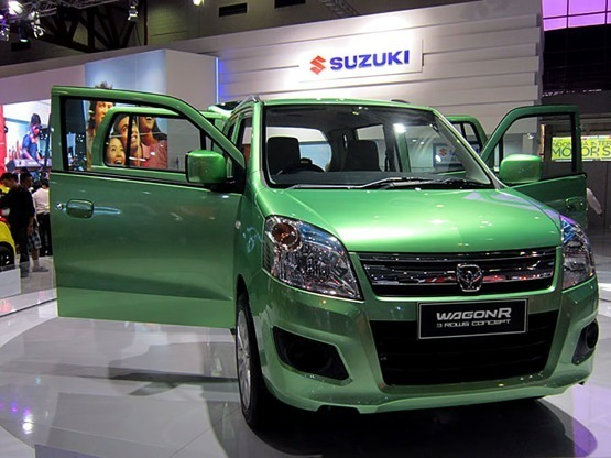 Maruti Suzuki Wagon R Crossover Front Side View