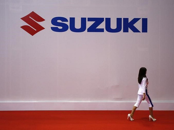 Suzuki's Logo at 44 Tokoyo Motor Show