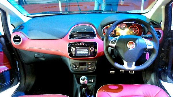 Fiat Avventura Urban Cross Interior View