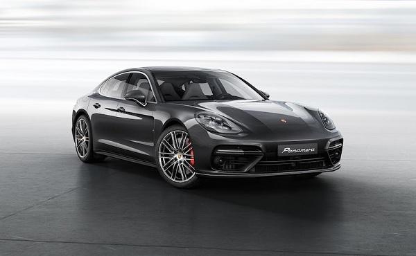 Porsche Panamera 2017 Front Low View