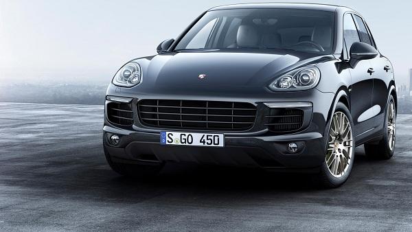 Front View Porsche Cayenne Platinum Edition