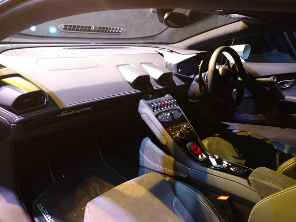 Lamborghini Huracan Avio Interior