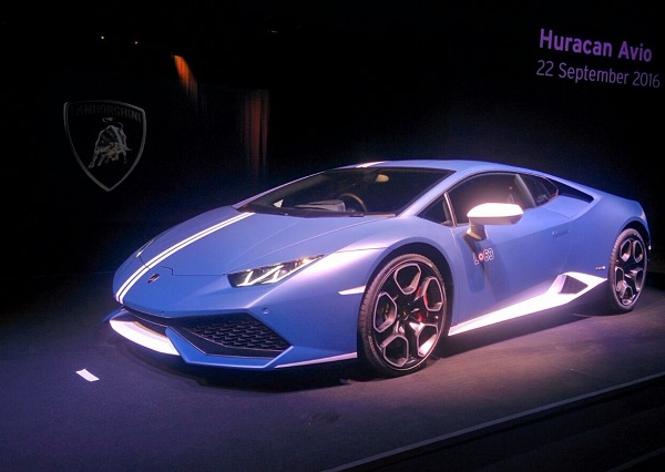 lamborghini launches huracan avio limited edition. Black Bedroom Furniture Sets. Home Design Ideas