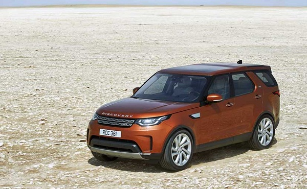 2017 Land Rover Discovery Front View
