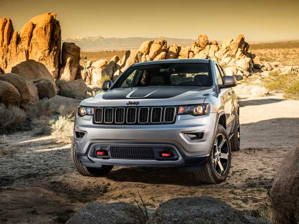 Jeep Grand Cherokee Trailhawk Front View