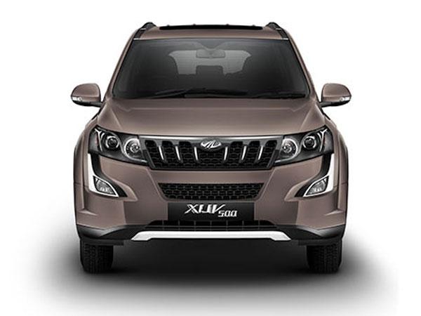 Mahindra XUV 500 Front View