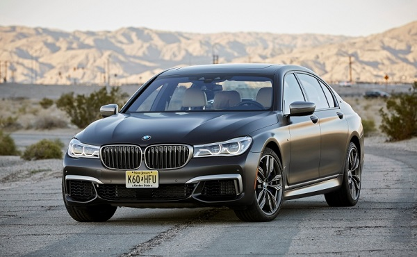 BMW 7 Series M760Li V12 Front Side View