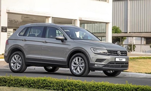 Volkswagen Tiguan Front Side View