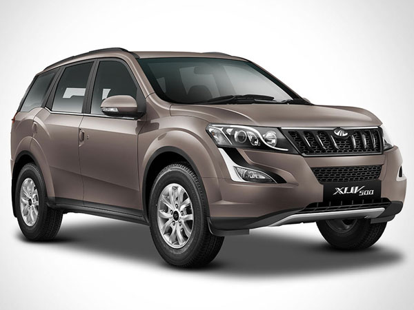 Mahindra XUV500 Front Side View