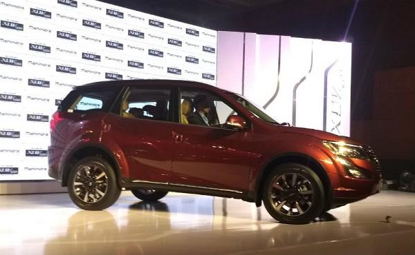 Mahindra XUV500 Facelift Side View