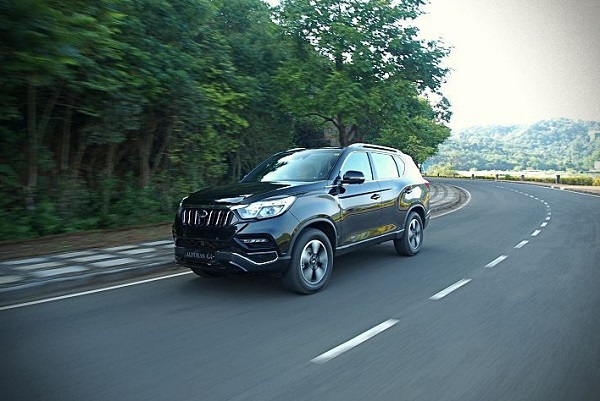Mahindra Alturas G4 Front Low View