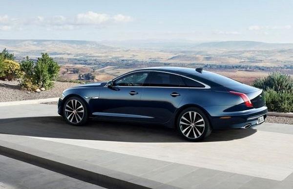 Jaguar XJ50 Side View