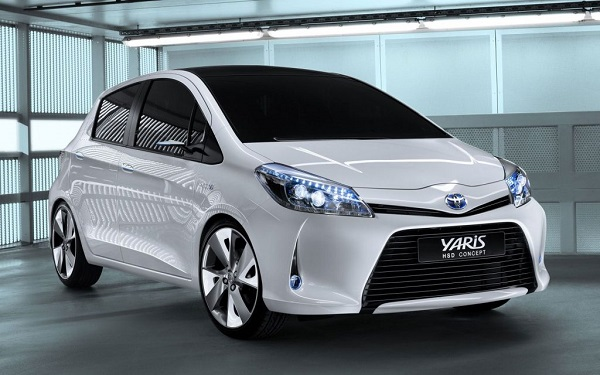 Toyota Yaris Hatchback Front Low View