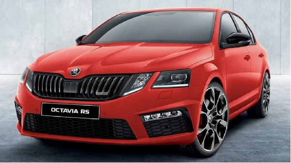 Skoda Octavia RS Front Low View