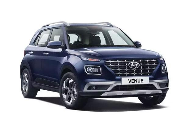 Hyundai Venue Front Low View